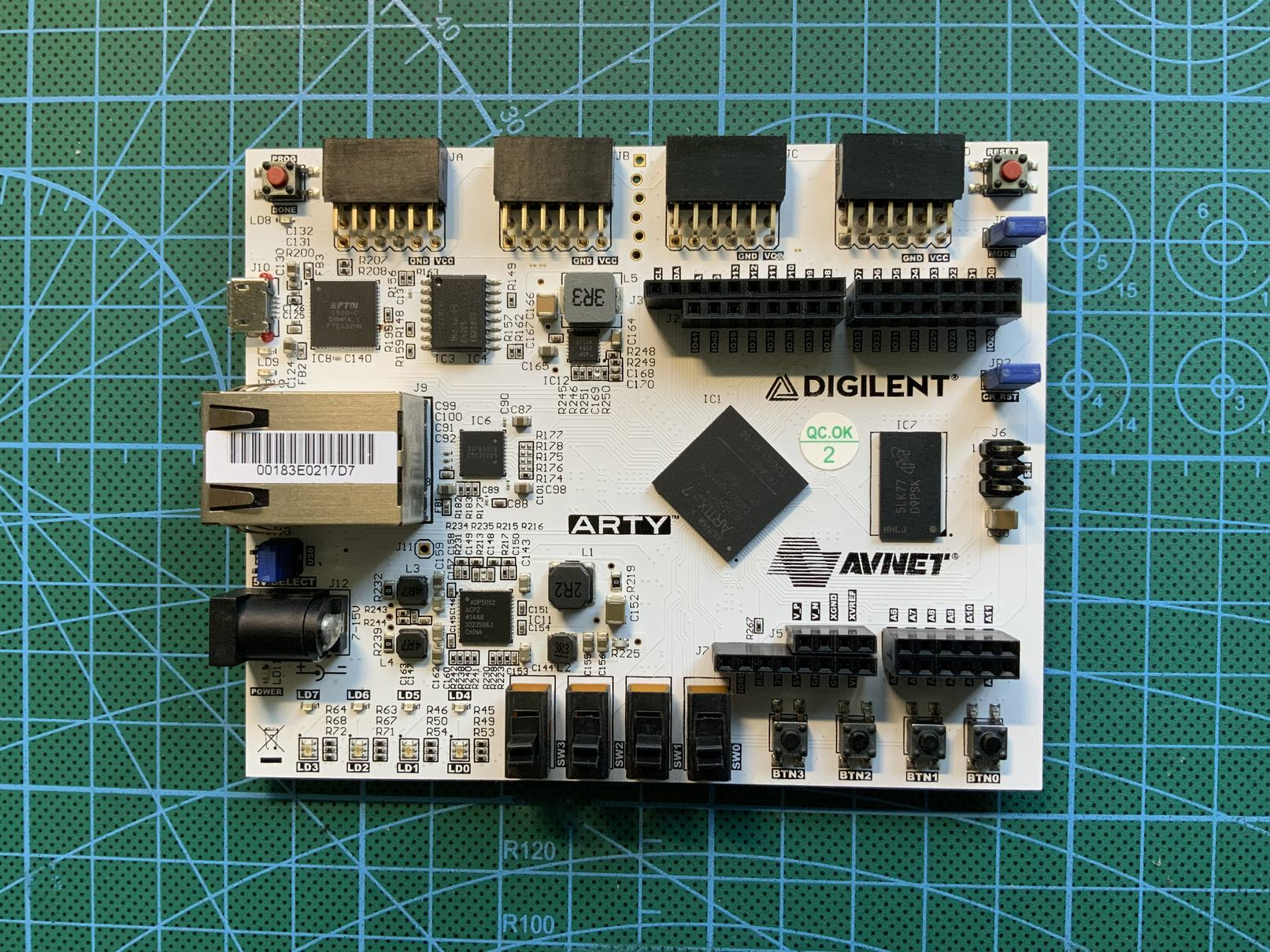 【Arty-A7填坑笔记】02:Microblaze软核与HDL点灯对比